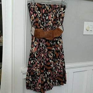 🍹Strapless belted dress 🍹 size S
